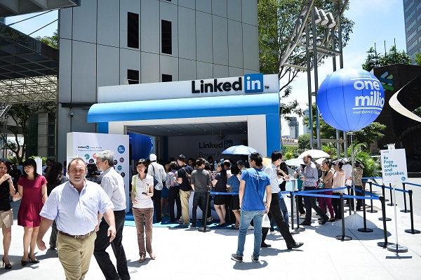 http://dc-app.me/2013/05/02/singapore-linkedin-hits-1-million-users-in-singapore/