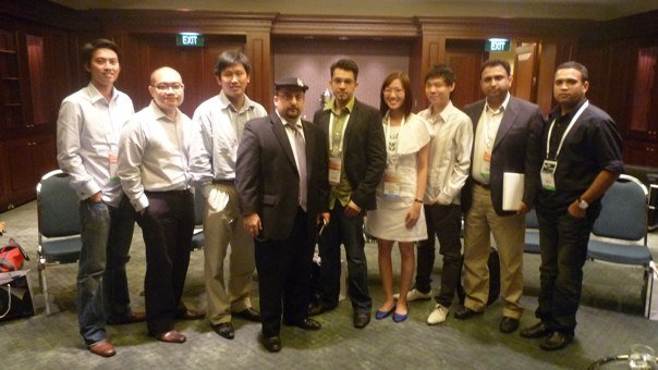 Left to Right: Me, Bernard Leong, Scott Goodstein, Mohan Belani, Dorothy Poon, Daryl Tay, Saurabh Pandey and Shalabh Pandey.