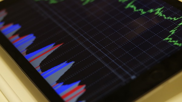 5 Great Tips To Help You Sell Shares - Young Upstarts